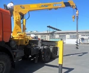 Установка оборудования для бурения на КМУ